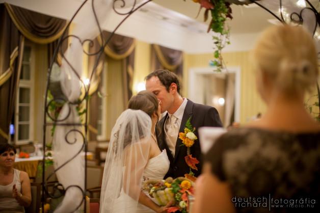 Esküvőnap az Erzsébet Nagy Szállodában Pakson